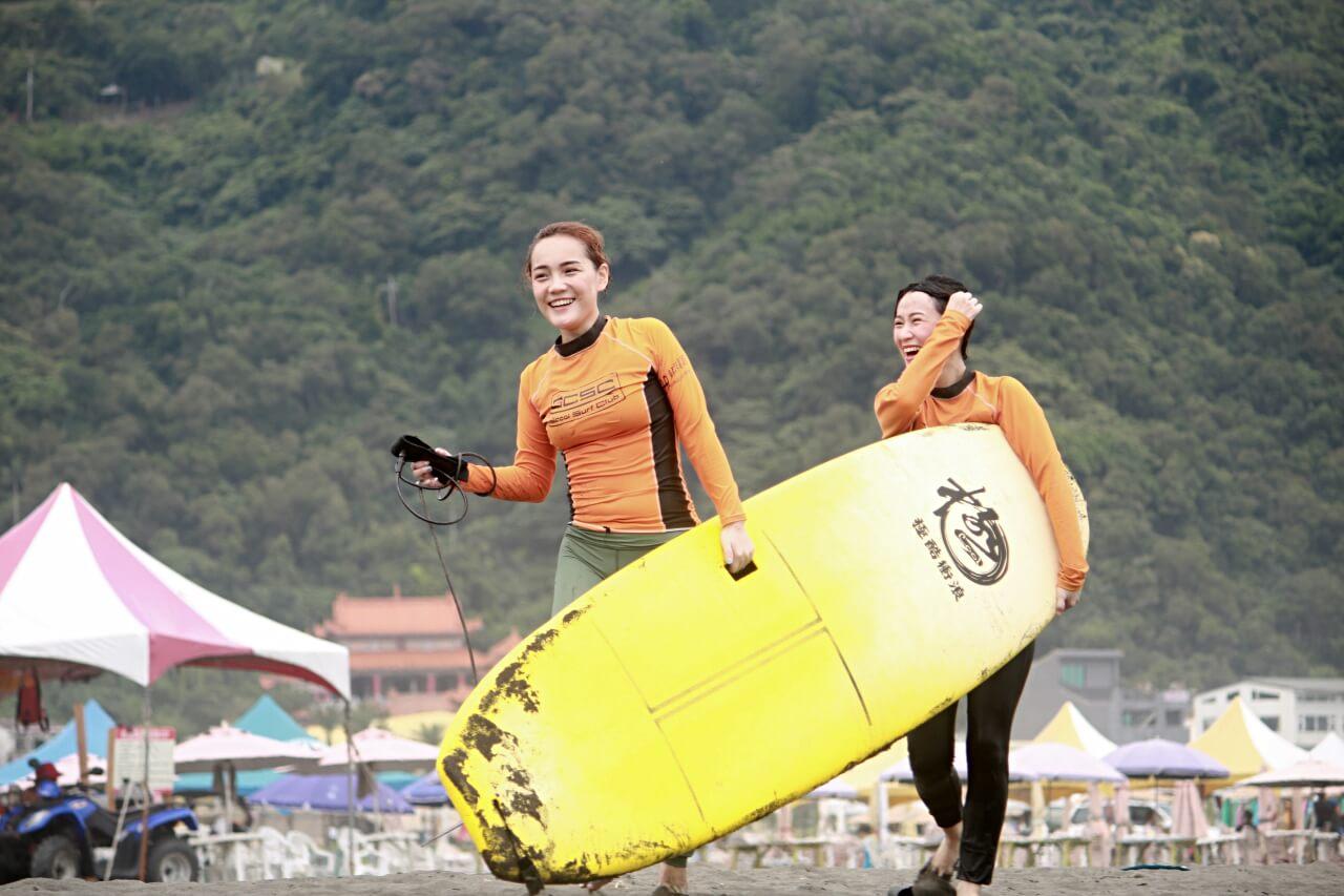 宜蘭烏石港衝浪推薦|極酷衝浪俱樂部 | 新手衝浪教學價錢懶人包